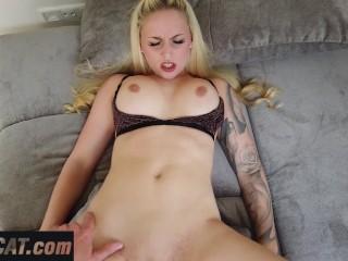 Lucy cat nackt strip